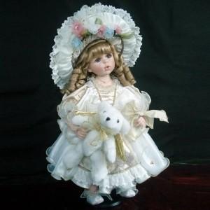 Фарфоровая кукла Маргарита