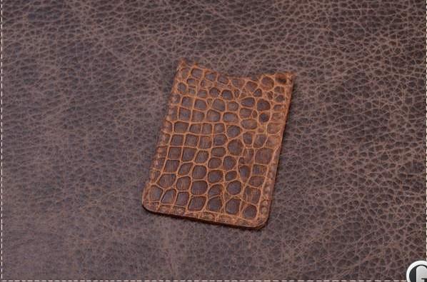 Футляр для визиток и пластиковых карт. Коллекция Amelie (коричневый, крокодил; нат. кожа)