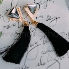 Серьги-кисточки «Ночной дуэт» с черными кристаллами