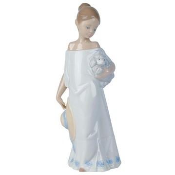 Фарфоровая статуэтка Девочка с пуделем