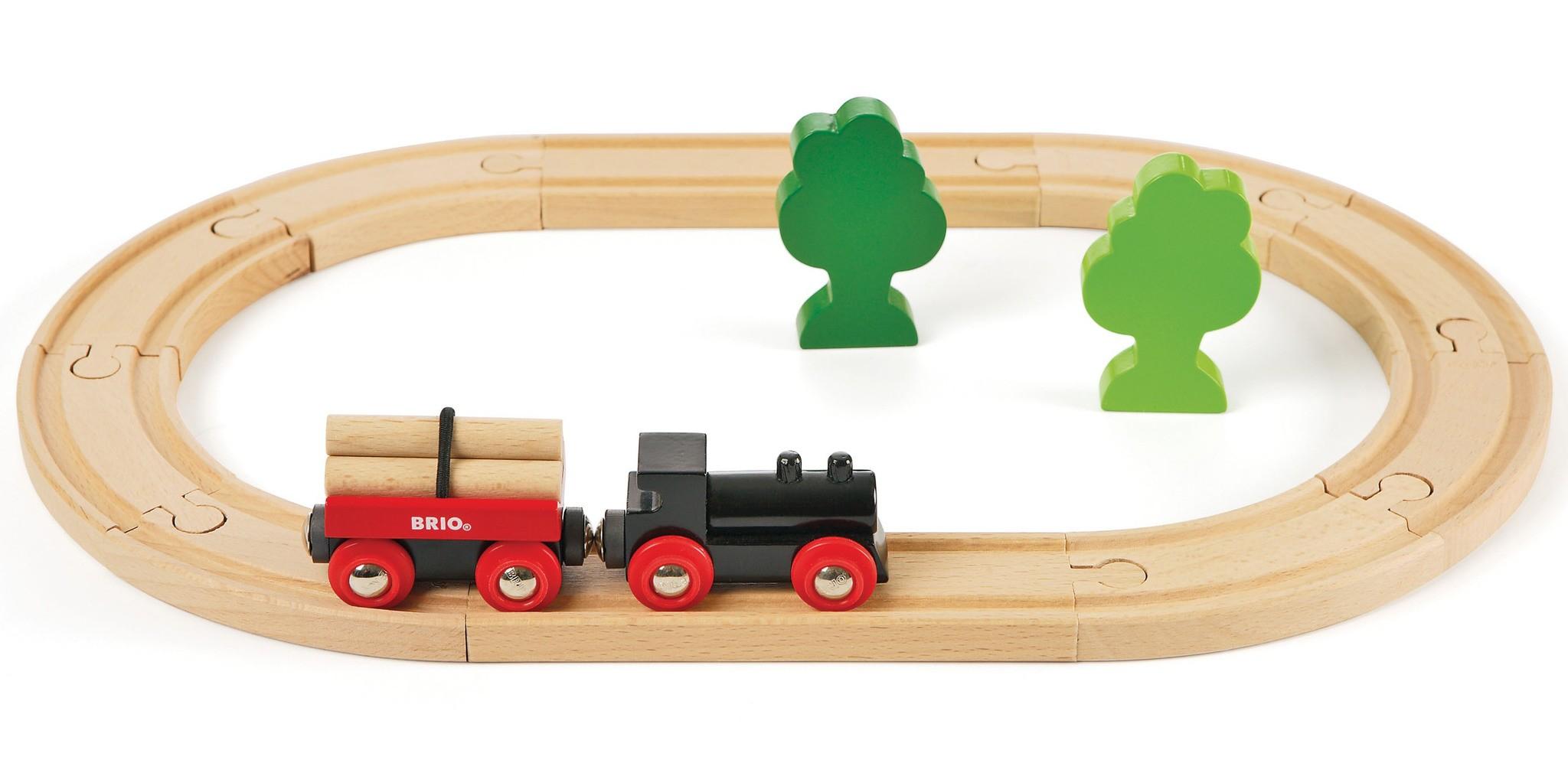 Деревянная железная дорога с грузовым поездом BRIO 33042