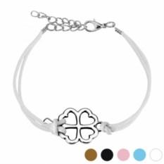Белый браслет на шнурке с клевером