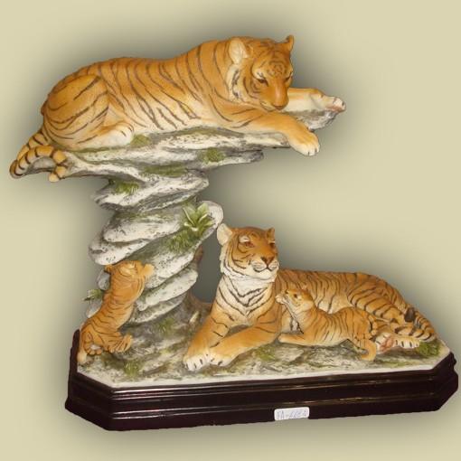 Статуэтка «Семья тигров»
