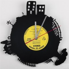 Часы из виниловой пластинки Вечерний город