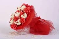 Букет из игрушек Мишки с красными розами