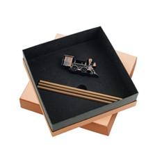 Подарочный набор из точилки и трех карандашей «Локомотив»
