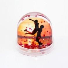 Водяной шар Magicglobe с сердечками в подарочной упаковке