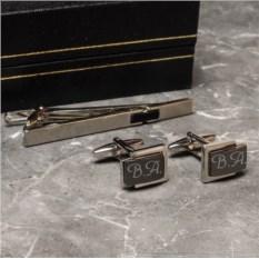 Набор из двух запонок и заколки для галстука Кардинал с гравировкой