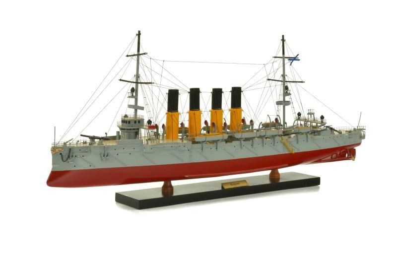 Модель Крейсер Варягъ от Artesania Esteban Ferrer