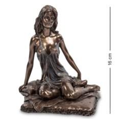 Статуэтка Девушка (высота 16 см)