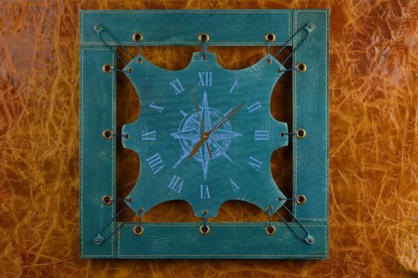 Часы из кожи Винтажный компас