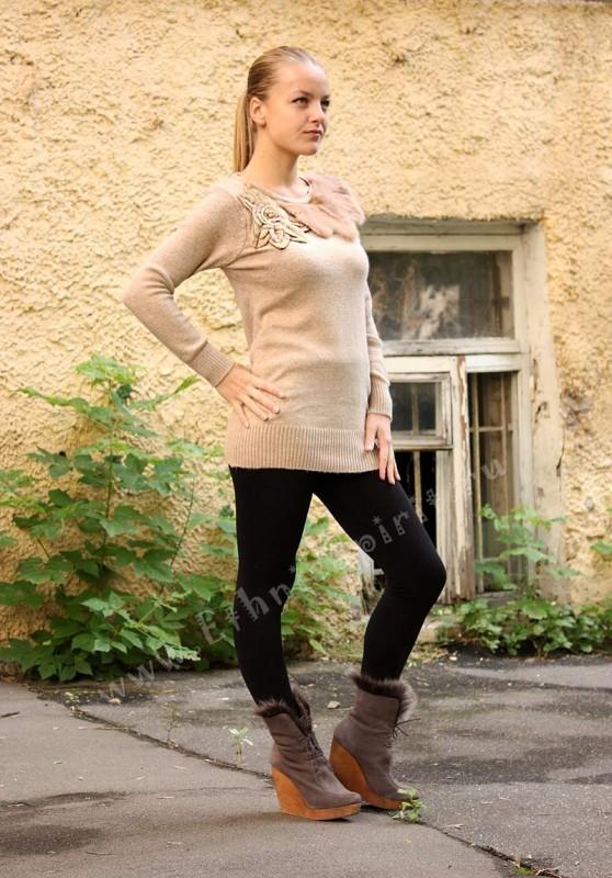 Удлиненный шерстяной свитер с аппликацией