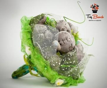 Букет из мягких игрушек (зеленый, пять серых мишек)
