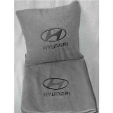 Серый плед с темно-серебряной вышивкой Hyundai