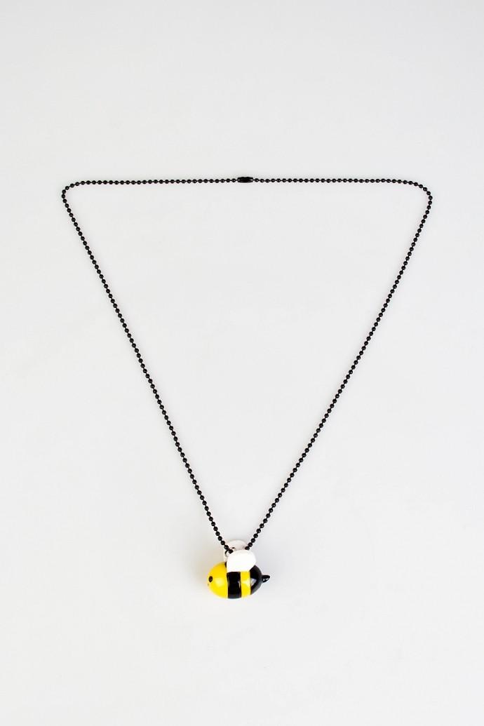Кулон на цепочке Пчела