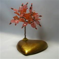 Дерево счастья из халцедона на сердечке