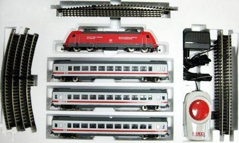 Стартовый набор Пассажирский поезд BR 101 с 3 пассажирскими вагонами, PIKO 59100