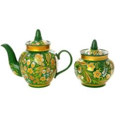 Чайный сервиз с росписью Хохлома на зеленом фоне