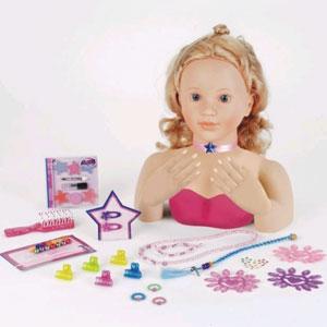 Модель для макияжа и маникюра