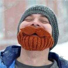 Шапка с бородой и усищами