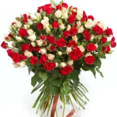 Букет из 55 кустовых роз