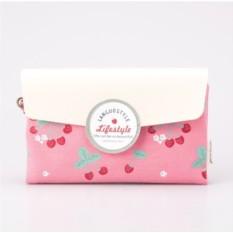 Маленькая косметичка-клатч Cherries pink