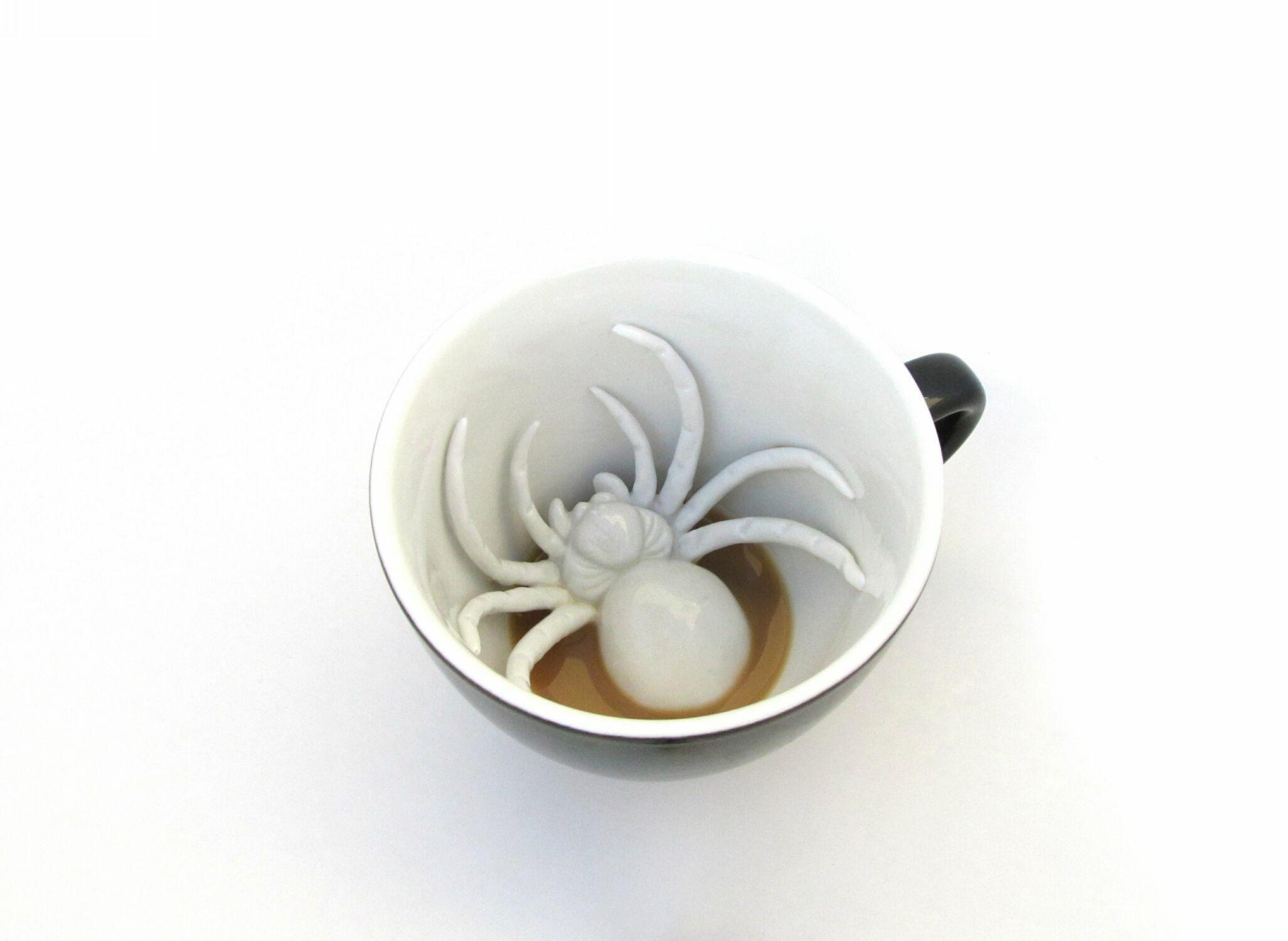 Кружка с фигуркой паука внутри (330 мл)