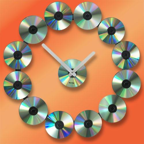 Часы Крутятся диски*