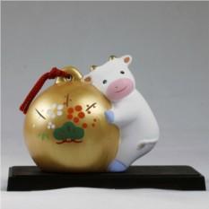 Статуэтка на подставке Корова Morita & Co