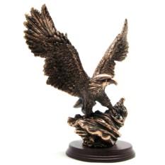 Статуэтка Орел на флаге