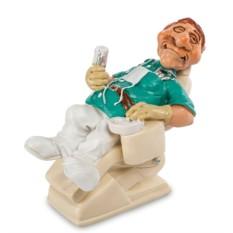 Фигурка Стоматолог в кресле