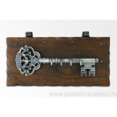 Настенная ключница Хромированный ключ с орлом