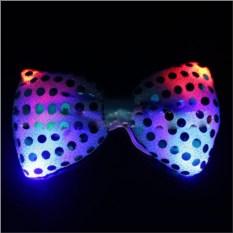 Черная светящаяся бабочка-галстук