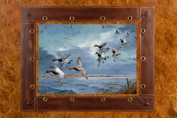 Картина из кожи Летящие утки