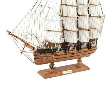Сувенирный кораблик