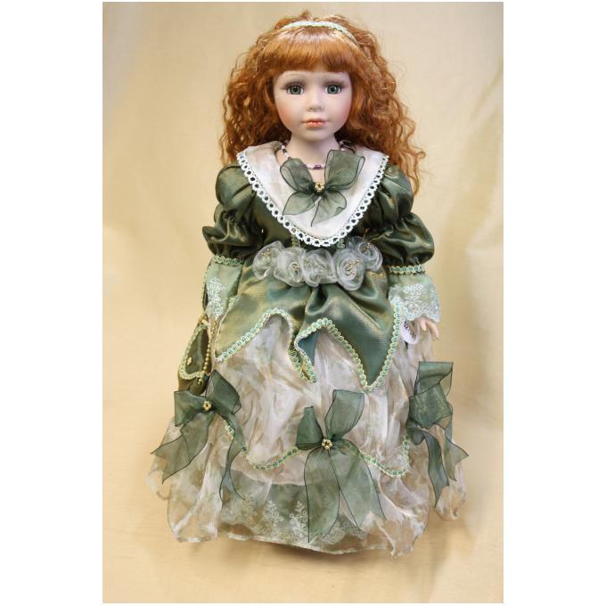 Фарфоровая кукла «Карина»