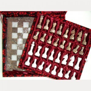 Каменные шахматы (яшма - мрамор)
