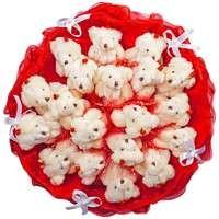 Букет из игрушек Красные бархатные мишки