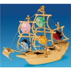 Фигурка с цветными кристаллами Корабль