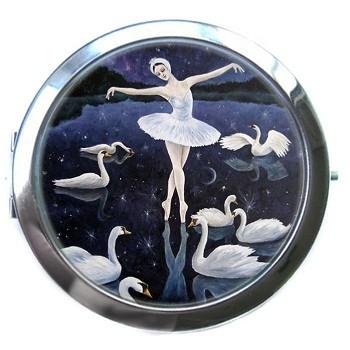 Карманное зеркало «Лебединое озеро»