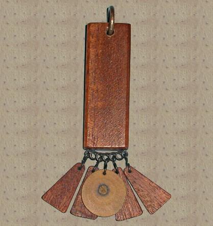 Авторский кулон из дерева Мирослава