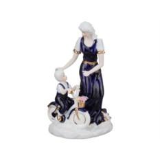 Статуэтка Дама с ребенком, высота 23 см