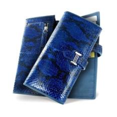 Ярко-синее женское портмоне из кожи питона