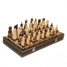 Деревянные резные шахматы Воины со щитами