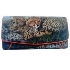 Женский кошелек из кожи ската с изображением диких кошек