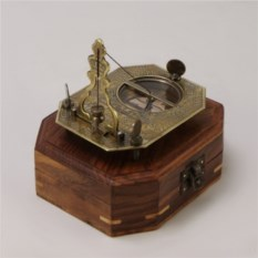 Морской компас в подарочном футляре из дерева