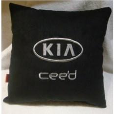 Черная с серебристой вышивкой подушка Kia ceed
