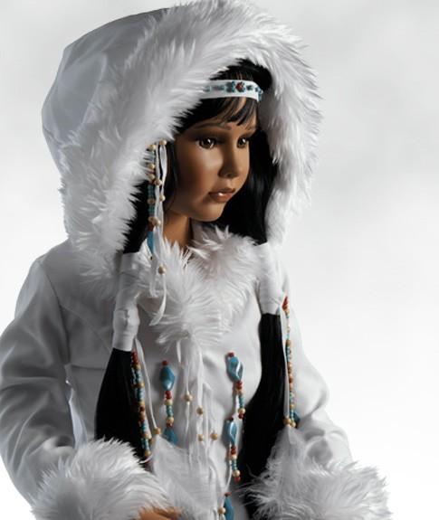 Коллекционная номерная фарфоровая кукла Принцесса Севера
