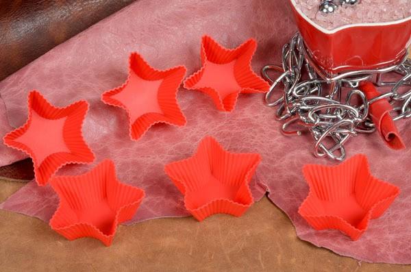 Красная силиконовая форма для кекса Звездочка