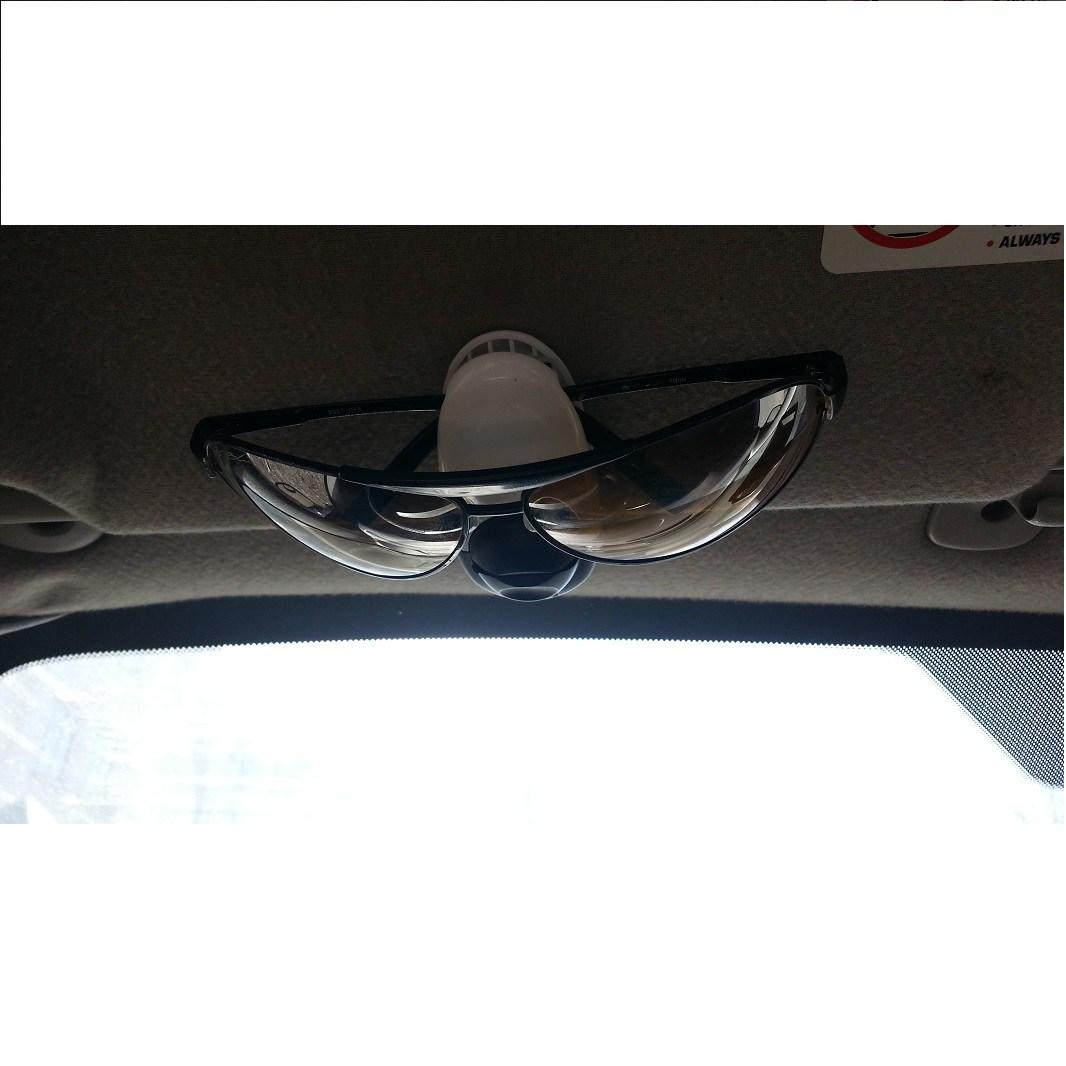 Держатель для очков в автомобиль Клипса